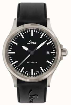 Sinn 556 i sport armband van saffierglas, zwart siliconen 556.010 SILICONE